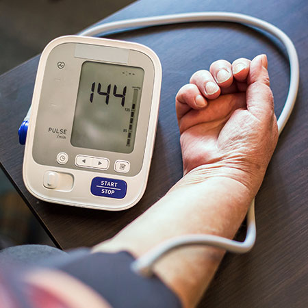 <title>Battle of the Heart Societies: Who Is Right--the US or Europe--Regarding How to Manage Hypertension?</title>